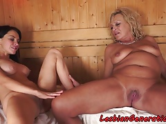 Buxom gilf pussylicked in..